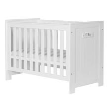 Łóżeczko pod materac 120x60cm z kolekcji Barcelona przeznaczone dla niemowlaka. Posiada trzy poziomy wysokości materaca oraz dwa wyciągane szczebelki....