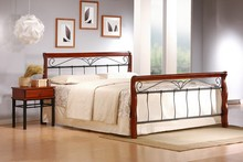 Wygoda i klasa! Piękne, bardzo duże łóżko VERONICA przypadnie do gustu wszystkim klientom gustującym we wnętrzach stylowych i bardzo eleganckich,...
