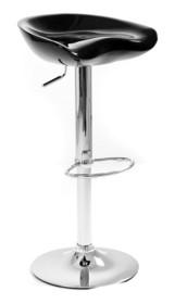 Club to nowocześnie stylizowane krzesło barowe. Posiada wygodnie wyprofilowane siedzisko, które zostało polakierowane na wysoki połysk. Jego zaletą jest...