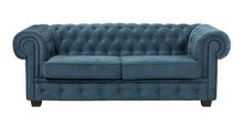 Sofa Manchester 3z kolekcji Elegancez funkcją spania  Na sprężynach falistych. W siedzisku zastosowana została wysokiej jakości pianka...