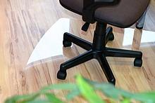 Funkcjonalna i subtelna!  Mata podłogowa dostępna jest w trzech rodzajach i rozmiarach. Klient może otrzymać zatem matę krystalicznie przejrzystą...