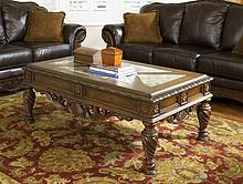 Solidne wykonanie!  T963-1 to niezwykle stylowy i elegancki stolik kawowy, który spodoba się wszystkim miłośnikom tak klasycznych i ponadczasowych...