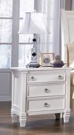 Elegancja i klasa!  Szafka nocna z serii B672 to niepozorny, ale i niebywale praktyczny mebel, który sprawdzi się w każdej stylowej sypialni. Wyróżnia...