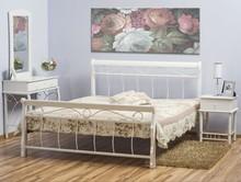 Elegancja i klasa! Niezwykle ekskluzywne łóżko Venecja wykonane z drewna przypadnie do gustu nawet najbardziej wymagającym klientom. To mebel bardzo...
