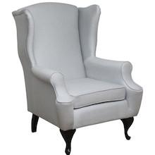"""Klasyka w komfortowym wydaniu!  Stylowy fotel """"uszak"""". Stelaż drewniany. Siedzisko: sprężyna falista, bonell oraz pianka poliuretanowa. Oparcie: pasy..."""