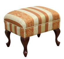 Komfort w stylowym wydaniu!  Stylowy podnóżek, stanowi idealny komplet z fotelem BOSTON Wspaniały do wypoczynku. Cena uzależniona od wybranej tkaniny...