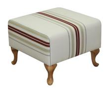 Funkcjonalność i styl!  Kwadratowa, klasyczna pufa, stanowi idealny komplet z fotelem ROBIN. Cena uzależniona od wybranej tkaniny obiciowej.  Wymiary:...