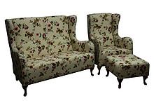 Komfort dla Twojego domu!  Komplet wypoczynkowy GRAZIA w kwiaty:sofa 2 - osobowa, fotel i pufa. Meble wykonane są na stelażu drewnianym. Siedzisko:...