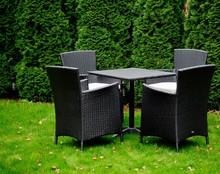 Zestaw mebli stołowych SEMPLICE Zestaw mebli stołowych SEMPLICE zachwyci każdego swoją niebywałą klasą i elegancją. Meble zostały wykonane z wysokiej...