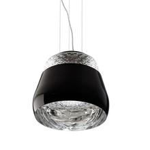 Zewnątrz lampa wykonana z metalu, wewnątrz klosz jest lustrzany.<br />Wnętrze lampy to szkło bezbarwne ozdobione mozaiką kwiatową.<br...