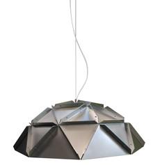 Lampa wykonana została z metalu.<br />Zewnętrzna strona lampy w kolorze srebrnym metalicznym.<br />Wewnątrz czysta matowa biel.<br...