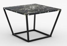 Kwadratowy marmurowy stolik Italy z kolekcji NOi
