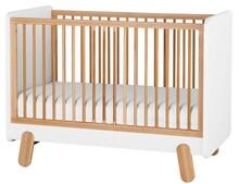 """Łóżeczko pod materac 120x60 cm z kolekcji I""""ga przeznaczone dla niemowlaka. Posiada trzy poziomy wysokości materaca oraz trzy wyciągane szczebelki..."""