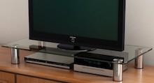 Podstawka pod telewizor VIDI to klasyczny produkt do wielu wnętrz. Posiada solidne wykonanie i dekoracyjny wygląd.Dodatkowym atutem jest możliwość...