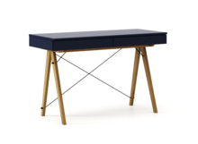 Biurko BASIC kolor NAVY stelaż DĄB  Minimalistyczne biurko z dwoma dyskretnymi szufladami. Wykonane ręcznie z litego drewna i blatu w dowolnym odcieniu,...