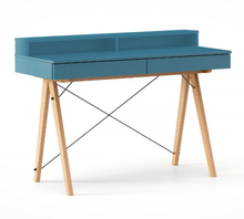 Biurko BASIC+ kolor OCEANIC stelaż BUK (standard)  Minimalistyczne biurko z dwoma dyskretnymi szufladami. Wykonane ręcznie z litego drewna i blatu w...