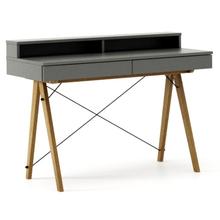 Biurko BASIC+ kolor GREY stelaż DĄB  Minimalistyczne biurko z dwoma dyskretnymi szufladami. Wykonane ręcznie z litego drewna i blatu w dowolnym odcieniu,...