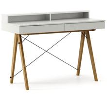 Biurko BASIC+ kolor LIGHT GREY stelaż DĄB  Minimalistyczne biurko z dwoma dyskretnymi szufladami. Wykonane ręcznie z litego drewna i blatu w dowolnym...