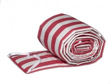 Ochraniacz w niebieskie paski pasujący do łóżeczka dziecięcego o wymiarach 120 cm x 60 cm. Materiał: 100% bawełna Wypełnienie: poliester ...