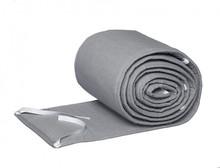 Ochraniacz w kolorze szarym idealnie pasujący do zestawu pościeli One Colour Grey. Długość ochraniacza, która wynosi aż 360 cm umożliwia jego...