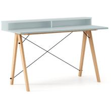 Biurko SLIM+ kolor ICE BLUE stelaż BUK (standard)  Minimalistyczne biurko w formie stolika z wygodną nadstawką na drobiazgi. Wykonane ręcznie z litego...