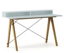 Biurko SLIM+ kolor ICE BLUE stelaż DĄB  Minimalistyczne biurko w formie stolika z wygodną nadstawką na drobiazgi. Wykonane ręcznie z litego drewna i...