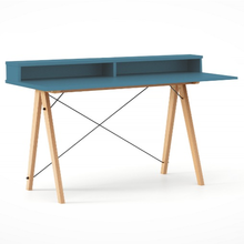 Biurko SLIM+ kolor OCEANIC stelaż BUK (standard)  Minimalistyczne biurko w formie stolika z wygodną nadstawką na drobiazgi. Wykonane ręcznie z litego...
