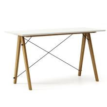 Biurko SLIM KIDS kolor LIGHT GREY stelaż DĄB  Minimalistyczne biurko w formie stolika z wygodną nadstawką na drobiazgi. Wykonane ręcznie z litego...
