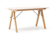 STÓŁ BASIC kolor DUSTY PINK stelaż BUK (standard)  Minimalistyczny stół w duchu SCANDI, idealny do jadalni lub kuchni. Wykonany ręcznie z litego...