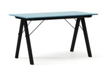 STÓŁ BASIC kolor OCEANIC stelaż BUK BLACK  Minimalistyczny stół w duchu SCANDI, idealny do jadalni lub kuchni. Wykonany ręcznie z litego drewna i...