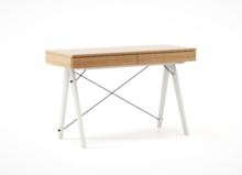 Biurko BASIC LUXURY WOOD blat DĄB stelaż WHITE  Minimalistyczne biurko z dwoma szufladami i wygodną nadstawką na drobiazgi. Wykonane ręcznie z litego...