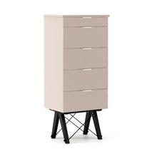 KOMODA TALLBOY TALL kolor DUSTY PINK stelaż BUK BLACK  Komoda w formie szufladnika TALLBOY. Idealnie posłuży jako bieliźniarka w sypialni lub pokoju...