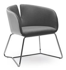 Fotel Pivot będzie szczególnie dobrze pasował do wszystkich designerskich wnętrz. Wyróżnia się bardzo ciekawym kształtem siedziska, w energiczne,...
