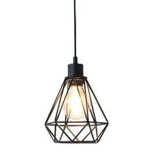 Ciekawy, geometryczny kształt to główna cecha lampy. Bardzo ciekawa forma, która zapewni bardzo modny akcent w Twoim wnętrzu. Długość...