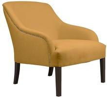 Fotel Victoria wykonany z najlepszej jakości materiału, bardzo wygodny, posiada miękkie siedzisko. Ten model ozdobiony jest tasiemką pineskową, która...