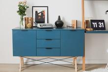 BUFET MIDI kolor JUNGLE stelaż BUK (standard)  Praktyczny bufet w stylu VINTAGE. Idealnie posłuży jako pomocnik w jadalni lub salonie. Pięknie...