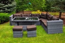 Zestaw mebli ogrodowych MAESTOSO  Zestaw mebli ogrodowych MAESTOSO, to połączenie luksusu i niebywałej wygody. Meble wykonane z rattanu syntetycznego są...