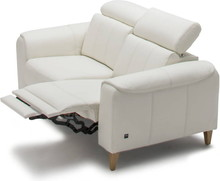 Sofa 2-osobowa z funkcją relaksu elektrycznego Milana - Etap Sofa