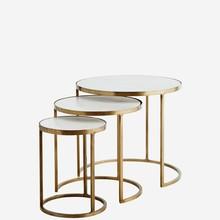 Zestaw trzech stolików (H004)